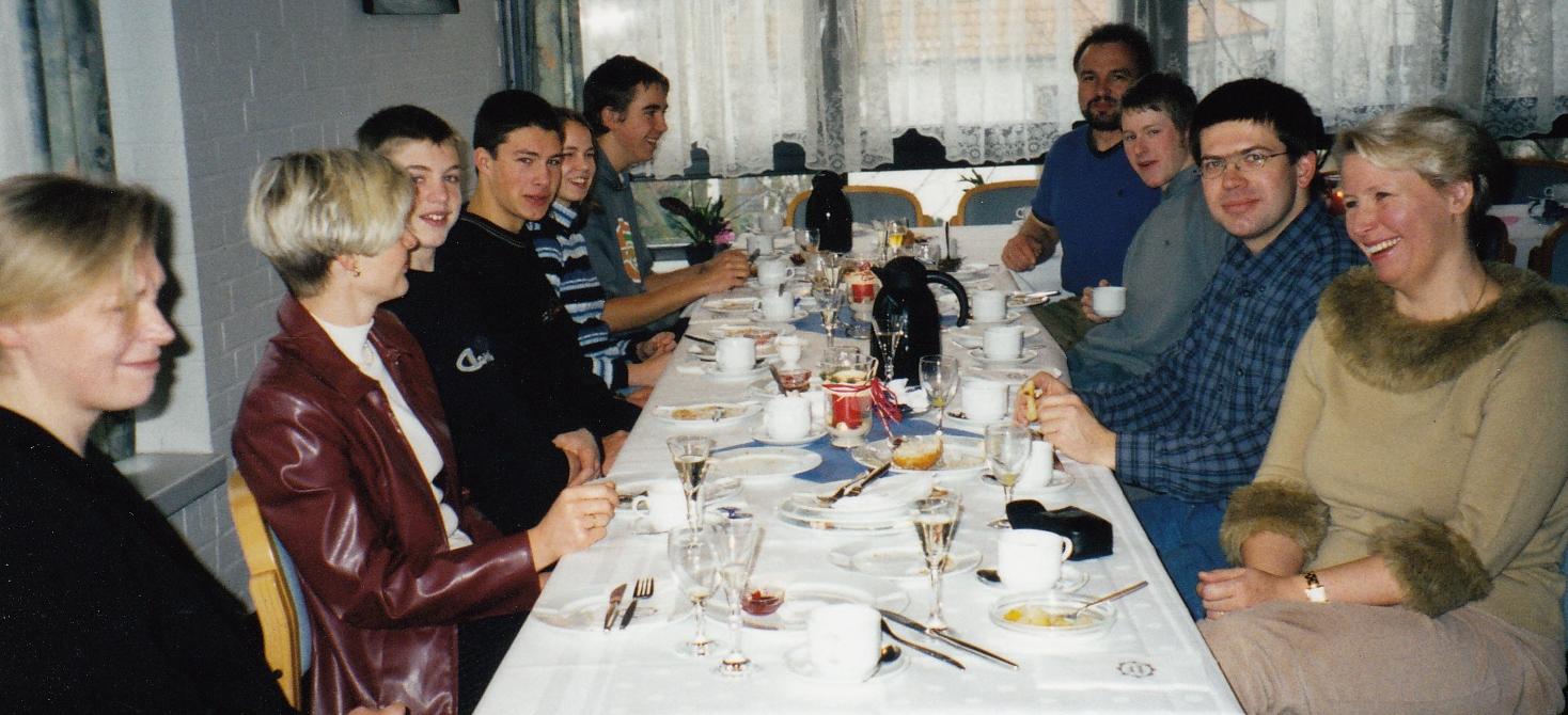 2002 jährlicher Adventsbrunch für die Ehrenamtlichen